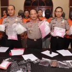 Konferensi Pers Kapolda Kepri Tunjukan Barang Bukti Ungkap Kasus Narkotika