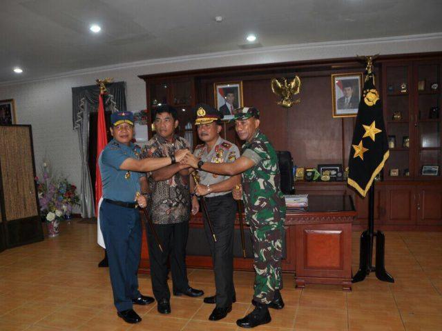 Bangun Sinergitas TNI & Polri Dalam Kinjungan Danlantamal IV ke Polda Kepri