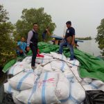 Polres Karimun Menggagalkan Penyelundupan 600 Karung Ball Pres Asal Singapura