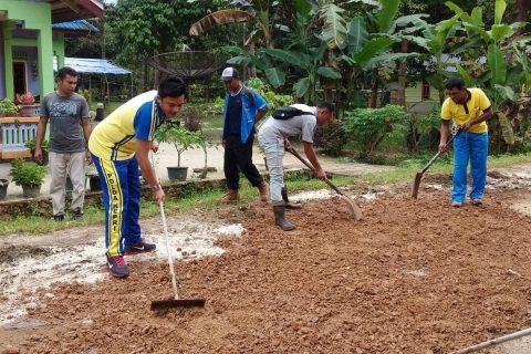 Polsek Singkep Barat Budayakan Gotong Royong