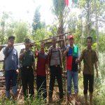 Terkait Isu Yang Beredar, TNI-Polri Dan Camat Mantang Mengibarkan Bendera Merah Putih Di Pulau Ajab