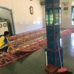 Personil Polres Lingga Bersihkan Masjid Sebagai Bentuk Memakmurkan Masjid