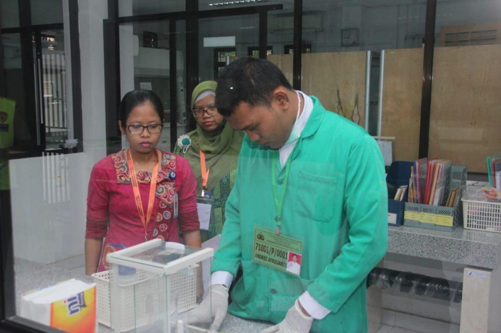 1 Peserta Bakomsus Kimia Ujian di BPOM RI Kota Batam, Uji Skill Kemampuan Bidang https://ift.tt/2KkXlgH