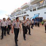 Kapolda Kepri Lakukan Pengecekan Penumpang dan Fasilitas Kapal Kelud di Pelabuhan Batu Ampar