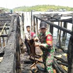 Bekerja Bersama, TNI-Polri dan Masyarakat Bersihkan Sisa Puing Kebakaran