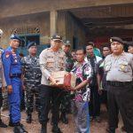 Polres Lingga Bergerak Cepat Memberikan Bantuan Kepada Korban Bencana Kebakaran