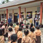 Jaga Wilayah Perbatasan, Kapolsek Dabo Singkep Mengaktifkan Kegiatan Mengajar
