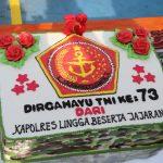 Sebuah Kue Loreng Dari Kapolres Lingga di Ulang Tahun TNI ke 73
