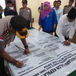 Kapolres Bintan Bersama Calon Kepala Desa Sekabupaten Bintan Mendeklarasikan Pemilu 2019 Yang Aman, Damai dan Lancar