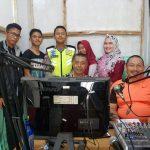 Lewat Siaran Radio, Satlatas Polres Bintan Sosialisasikan Keselamatan Berlalu Lintas