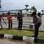 Polres Tanjungpinang Pasang Garis Polisi Sebagai Upaya Batasi Area Longsor