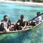 Bhabinkamtibmas Pulau Pinang Polsek Tambelan Mengarungi Lautan dan Menyambangi Warga Demi Harkamtibmas
