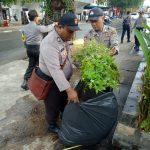 Memakmurkan Tempat Ibadah, Polres Tanjungpinang Gotong Royong Bersama Warga