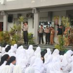 Divhumas Polri Bersama Kasat Binmas Polresta Barelang Beri Sosialisasi di SMAN 8 Batam