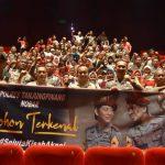 Polres Tanjungpinang Bersama Masyarakat Nobar Film Pohon Terkenal