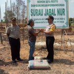Polsek Tanjungpinang Timur Bantu Pembangunan Surau Jabal Nur