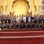Polda Kepri Laksanakan Shalat Jumat Keliling dan Silaturahmi Kamtibmas