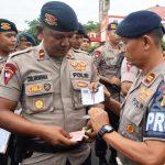 Tingkatkan Kedisiplinan, Provos Brimob Kepri Cek Kelengkapan Administrasi Anggota