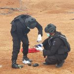 Unit Jibom Polda Kepri Ledakkan 8 Granat di Pulau Dompak