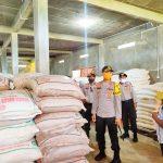 Kapolres Bintan Turun langsung Dalam Pengecekan Di Gudang Distributor Semabako