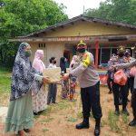 Kapolres Tanjungpinang Turun Langsung Bagikan Ratusan Paket Sembako