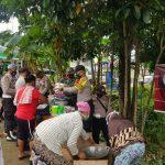 Polsek Singkep Barat Dirikan Dapur Umum di Lokasi Musibah Banjir Kampung Pengambil