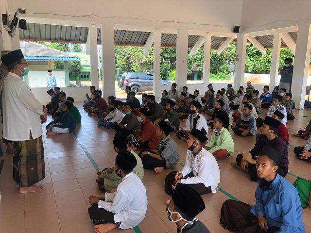 Silaturahmi Kamtibmas Polda Kepri di Pondok Pesantren Darul Falah dalam rangka Hari Santri Nasional 2020