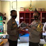 Jaga Kesehatan Personil, Bagsumda Polres Lingga Bagikan Masker