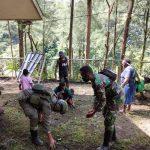 Sinergitas TNI-POLRI, Satgas Pamrahwan Satbrimob Polda Kepri Kerja Bhakti di Banti Mimika Papua