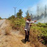 TNI-Polri Bersama Masyarakat Berjibaku Padamkan Kebakaran Hutan Lahan.