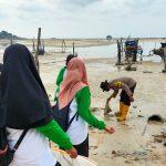Gotong Royong Bhabinkamtibmas Bersama Forum Anak Nasional Kabupaten Natuna