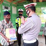 Sambangi Pangkalan Ojek Ranai, Polres Natuna Bagi Sembako